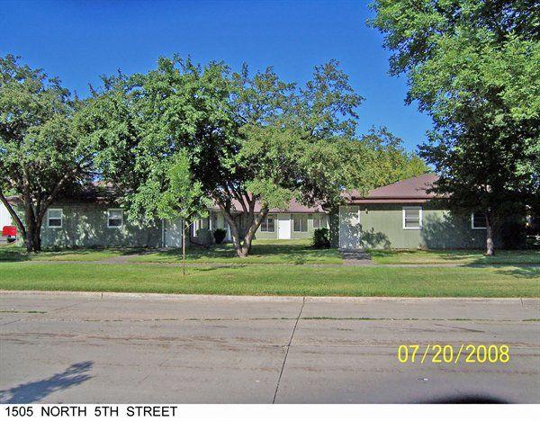 1505 N 5th St, Grand Forks, ND