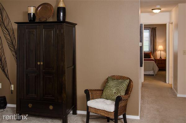 Standard living room/hallway