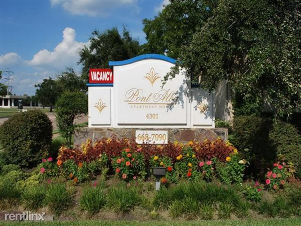 4301 Bissonnet St, Bellaire, TX