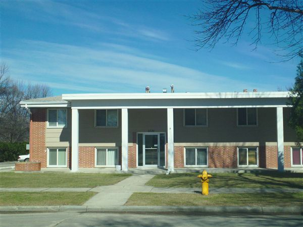2220 12th Ave N, Grand Forks, ND