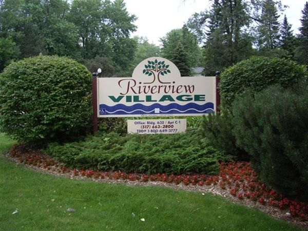 632 Riverview Ln Apt C1, Eaton Rapids, MI
