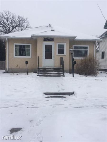 3339 38th Ave S $1100