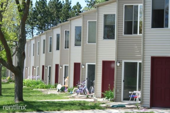 1115-1116-1123-1124 S. Cedar St, Greenville, MI