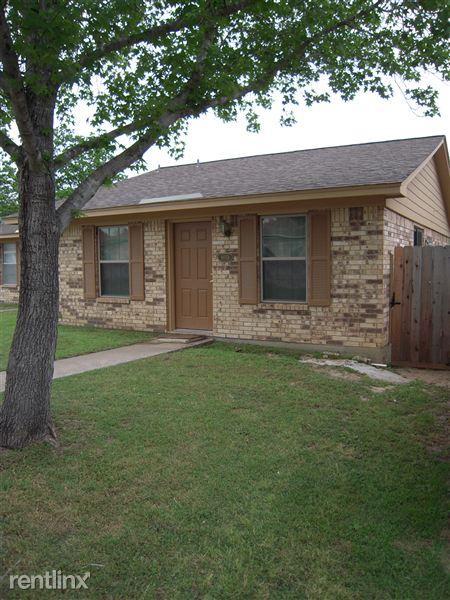 803 Frio Cir, Bryan, TX