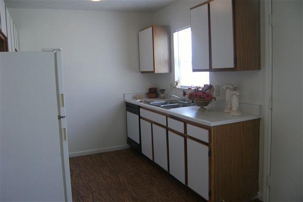 3 bedroom 6-23-09 013