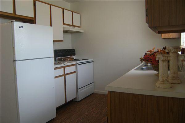 3 bedroom 6-23-09 014