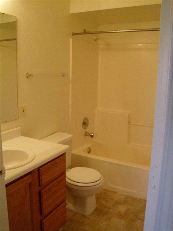 Syringa Bathroom